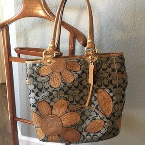 Coach Bleecker RARE tote with leather flowers